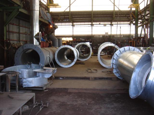 工場内製作煙突各種